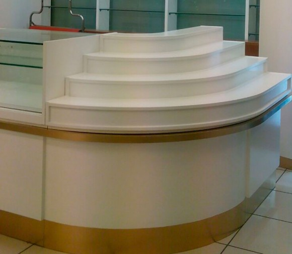 Rehabilitación mueble-mostrador FROIZ Pontevedra